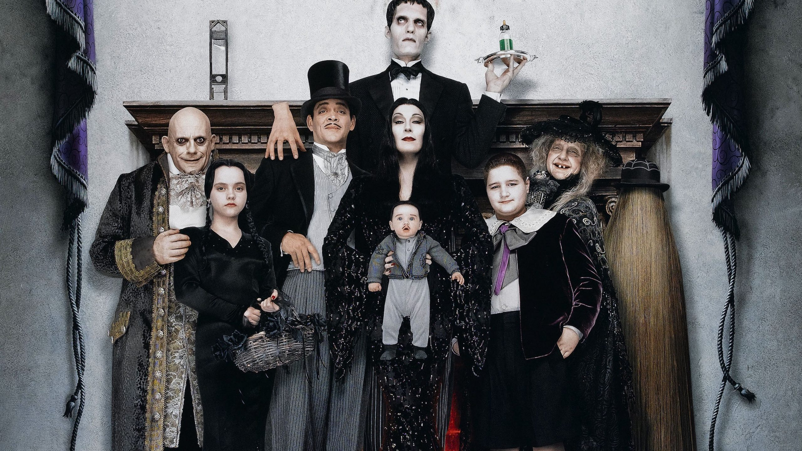 Adams Family Values (1993)